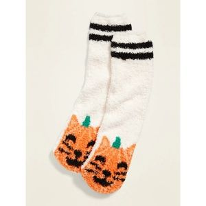 1 pair left! Old Navy Printed Cozy Socks